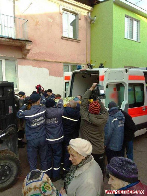 kayty 1 - Хвору жительку Житомирської області, яка важить майже 400 кг, через вікно виймали з квартири