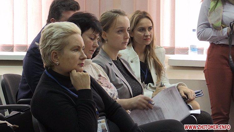 joan royluing 1 - Міністр і представники фундації Джоан Роулінг у Житомирі розповіли про пілотний проект з реформування інтернатів