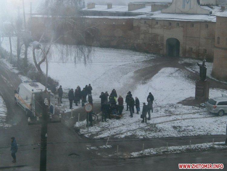 5a40104782391 - У Бердичеві на пішохідному переході Opel збив студента