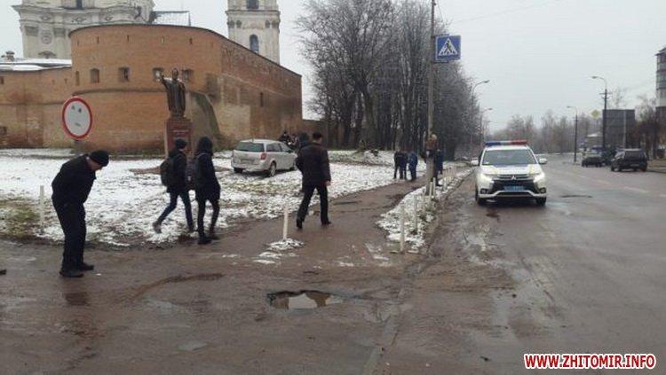 5a4010611d91b - У Бердичеві на пішохідному переході Opel збив студента