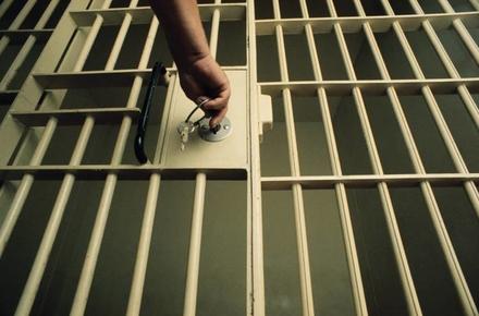 67a1d3865a1f46dd32157df83cf7f416 preview w440 h290 - Житомирянина, який пропонував службовим особам «відкупне» за справу щодо наркотиків, взяли під варту