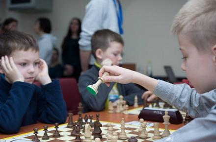 6f7bc10c15e792d16a0685763ea9fdc7 preview w440 h290 - У Житомирі відбувся шаховий турнір для працівників заводу «Кромберг енд Шуберт» та їхніх дітей