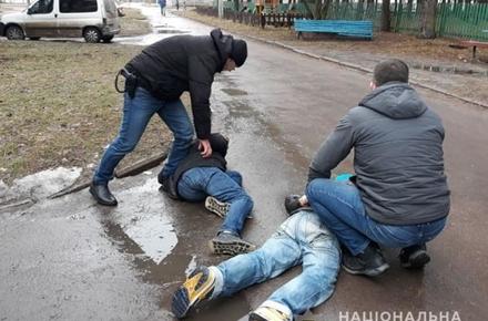 b6e1fc227a64017deacbeeab271a8583 preview w440 h290 - У Житомирській області поліцейські затримали домушників зі свіжою «здобиччю» та відмичками