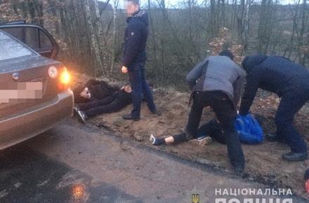 99edab8df97f9476a9cd9d840a21dac9 preview w440 h290 - У Житомирській області шестеро молодиків підрізали ВАЗ, побили водія, пасажира та забрали авто