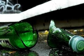 692c7edbf4b655e485f9f1f3bf266b78 preview w440 h290 - У Житомирі жінка вдарила патрульного пляшкою по голові, на місце події викликали медиків