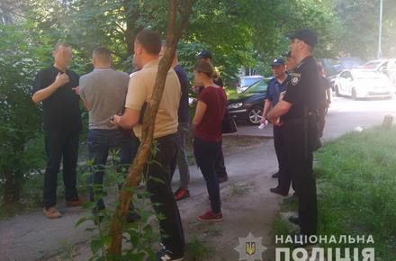 a8334c29b20b899651d4138aefa15326 preview w440 h290 - На одній з вулиць Києва виявили тіло чоловіка з Житомирської області, якого до смерті побили палицею
