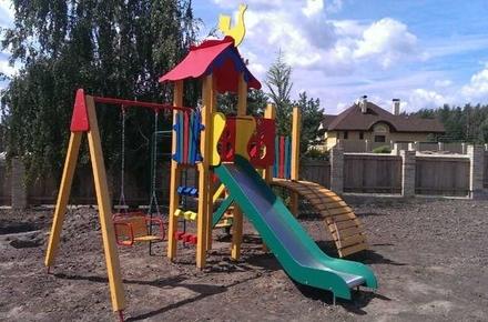 7ee2894e01674d43c3a36f50d596dcae preview w440 h290 - У дворах житомирських багатоповерхівок встановлять 9 нових дитячих майданчиків. Перелік адрес