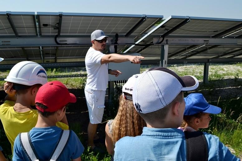 5d2cb60c9cf5c original w859 h569 - Олег Грамотенко показав дітям першу на Житомирщині сонячну електростанцію
