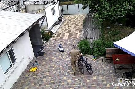 025f4fd255a414d6493e1d731f31c915 preview w440 h290 - У райцентрі Житомирської області завдяки відео в соцмережі затримали молодика, який крав велосипеди