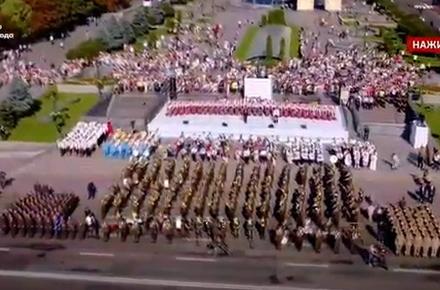 53a8e9336f537e2c8eea6092b76a81f7 preview w440 h290 - У Києві на відзначення Дня незалежності розпочалася «Хода гідності», якою замінили військовий парад