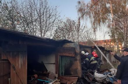 3c790e15c36d8d9c91ef90eb0426b125 preview w440 h290 - У неділю на Гоголівській у Житомирі згоріли три гаражі