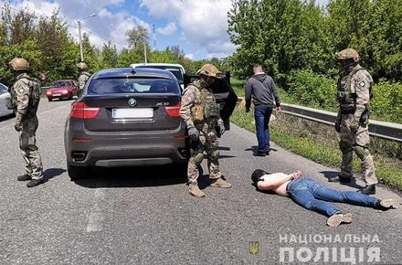 033417bfea59213d7e19ec21f985d3e5 preview w440 h290 - На Київщині затримали банду, яка два місяці тому на стоянці біля торгового центру в Житомирі викрала Hyundai Santa Fe