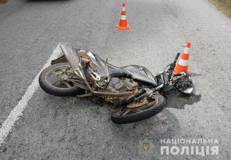 5eda10c8f0cd2 original w859 h569 - За добу на дорогах Житомирської області загинули два скутеристи і велосипедист