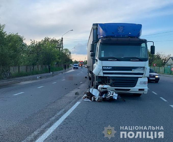 5eda10d32dba7 original w859 h569 - За добу на дорогах Житомирської області загинули два скутеристи і велосипедист