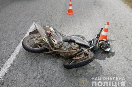 603e91dd5232ae176e44586f65e975bc preview w440 h290 - За добу на дорогах Житомирської області загинули два скутеристи і велосипедист