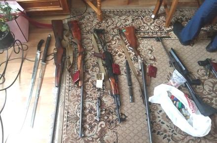 08b0ff25c2f969aec2786fdff3a634e3 preview w440 h290 - У Житомирі викрили пенсіонера, який організував у гаражі «магазин» зброї та вторгував 100 тис. грн