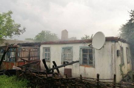 70625a0a6f0d490779a7f27adbdb0405 preview w440 h290 - У Житомирській області від удару блискавки загорівся будинок, в якому проживала сім'я з 9 дітьми