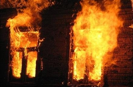 873373261486cd6aebdaab2c5acaf6e0 preview w440 h290 - У селі Житомирської області згорів дерев'яний будинок, власник оселі загинув
