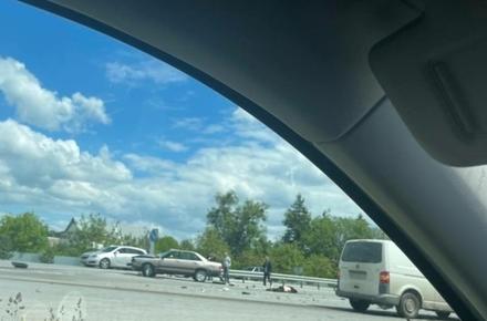 18f78e7cf184d61e3cedff7ab18cc874 preview w440 h290 - Поблизу Житомирі зіткнулись Audi та Volkswagen: від удару один водій вилетів на дорогу