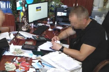 9199816e1889248274179ccdcb623146 preview w440 h290 - У Житомирській області викрили двох посадовців, які організували «компанію» та привласнювали борги з несплачених аліментів й кредитів