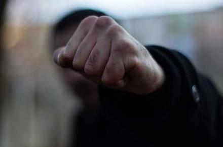 673e4b1cdf129ccd35c30fdcafb66e72 preview w440 h290 - У місті Житомирської області побили й пограбували чоловіка: відібрали телефон і тисячу гривень