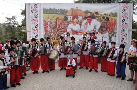 7bf1f1c513cc7bba2b4071c8fc0b7dd0 preview w440 h290 - В Житомирській області за квартал проведуть майже 20 фестивалів, серед яких – «Утрення заря», «Грай, гармонь», «Подушка Fest»