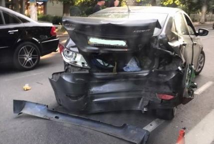 19db20368d0802f57f96a17dce6cb1b4 preview w440 h290 - На перехресті Великої Бердичівської і Довженка у Житомирі BMW «наздогнав» Hyundai