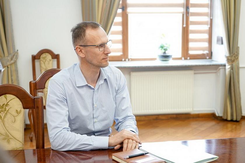 61091073bbd63 original w859 h569 - Бунечко визначився з новими керівниками двох департаментів Житомирської ОДА: чиновниця з РДА та експрацівник ОДА
