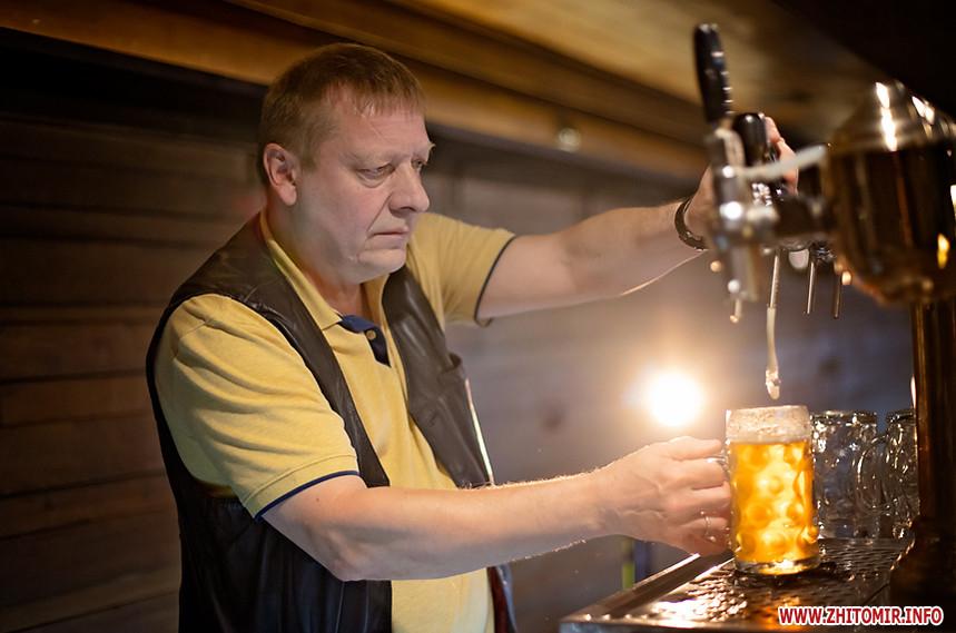 610ce7bf73798 original w859 h569 - Народився на пивоварні в Чехії і вивчився на «сладека». Інтерв'ю з Даніелем, який варить пиво в житомирській броварні «Шульц»