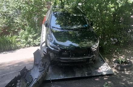 84267092ed7213f8947b00d2d7b6bb2f preview w440 h290 - У Житомирі суд оштрафував водія Renault, який на вулиці Небесної сотні в'їхав у трамвай і залишив місце ДТП