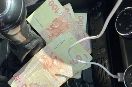 bfee0488471ffb878c19e883b7e99db6 preview w440 h290 - Поблизу Житомира п'яний водій ГАЗелі намагався відкупитися і залишив поліцейським «на каву» 500 гривень