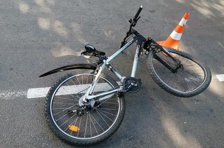 4c7756c3349878f3dd4cee4baa8c3fd6 preview w440 h290 - У Бердичеві 8-річний велосипедист потрапив під колеса легковика: дитина в реанімації
