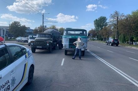 d003fef8b440b344737306e49ffcde2e preview w440 h290 - На проспекті Незалежності у Житомирі зіткнулись три автомобілі
