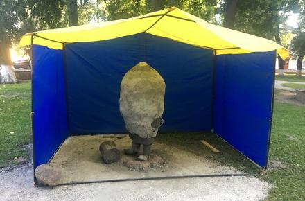 d48f6499093ace45221abe981401ac92 preview w440 h290 - В Овручі до Дня міста встановлюють пам'ятник картоплі та скаржаться на акти вандалізму