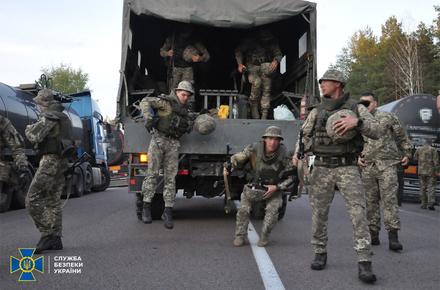 b151572a227d3769c8e3a16eb5df5168 preview w440 h290 - Ловили диверсантів, які збиралися за допомогою безпілотника підірвати військову базу: на півночі Житомирської області завершились навчання СБУ