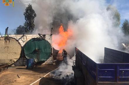 81eb49d59246aac0214d949fa714f57f preview w440 h290 - На Коростишівській в Житомирі стався вибух і загорілися сушильні камери на підприємстві: троє людей отримали опіки