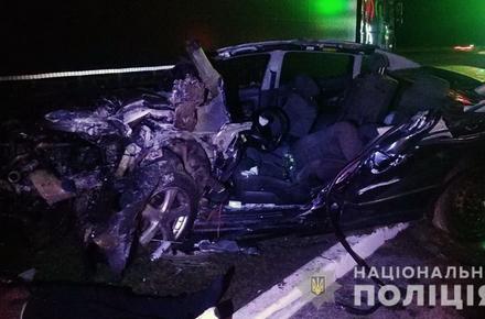 9b004772ae83b2a300995f90178cd13e preview w440 h290 - На трасі Київ-Чоп у Житомирському районі Volkswagen в'їхав у припаркований DAF: двоє людей загинули