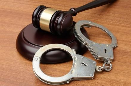 6ecba0e950eebed6782387631fdf6717 preview w440 h290 - Апеляційний суд змінив вирок і призначив реальне покарання хлопцеві, який в Малині знічев'я напав на перехожу і погрожував пістолетом