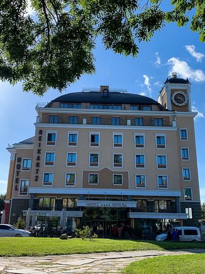 6154596161a8e original w859 h569 - Кому належать найвідоміші готелі Житомира