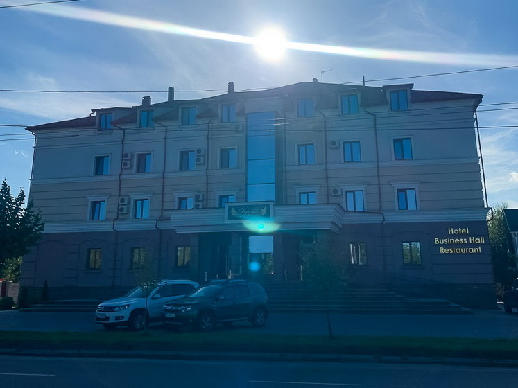 615459be30540 original w859 h569 - Кому належать найвідоміші готелі Житомира